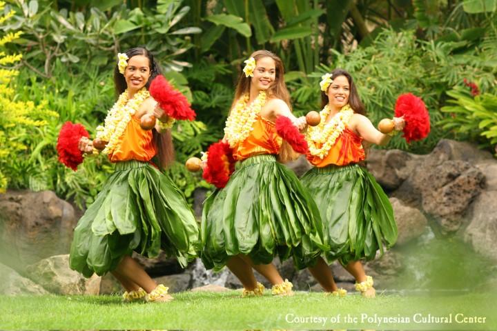 luau-hula-auana-women